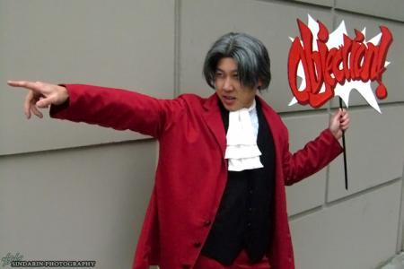 Miles Edgeworth from Ace Attorney Investigations: Miles Edgeworth (Worn by waynekaa)