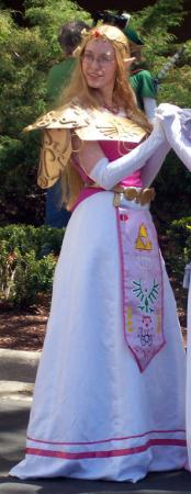 Princess Zelda from Legend of Zelda: Ocarina of Time worn by Countess Lenore