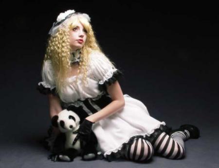 Lolita Noir et Blanc from Original: Gothic Lolita / EGL / EGA worn by Haruka