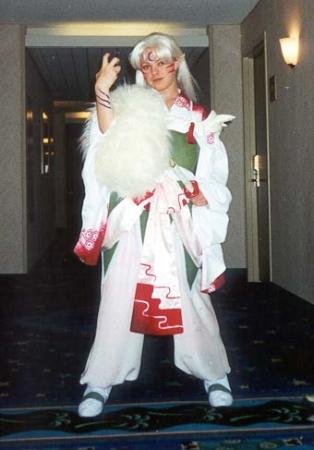 Sesshoumaru from Inuyasha worn by Daitenshi