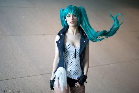 Hatsune Miku from Vocaloid 2 worn by RuffleButt