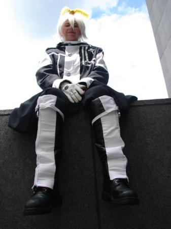 Allen Walker from D. Gray-Man worn by Tohma