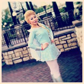 Elsa from Frozen worn by Die