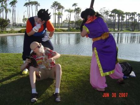 Master Roshi from Dragonball worn by Illuzions