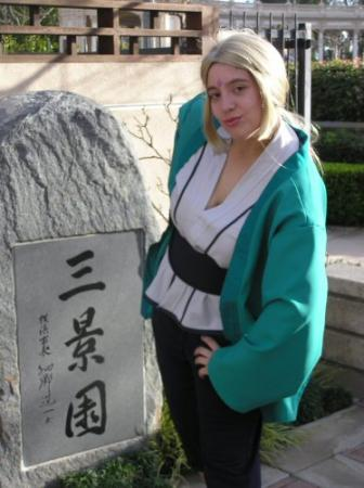 Tsunade from Naruto worn by Kokuu