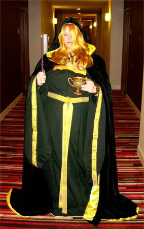 Helga Hufflepuff from Harry Potter worn by Hikaruchan