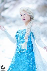 Elsa from Frozen worn by Aria