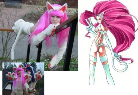 Felicia from Darkstalkers worn by Redlotus