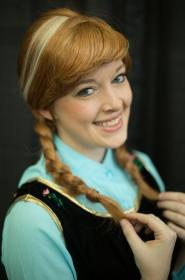 Anna from Frozen worn by Toastersix