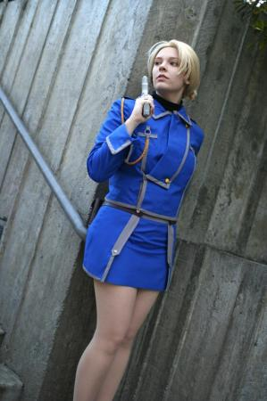 Riza Hawkeye from Fullmetal Alchemist worn by Noin Hime