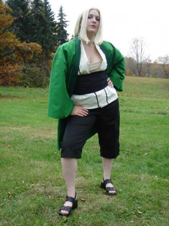 Tsunade from Naruto worn by Rogue