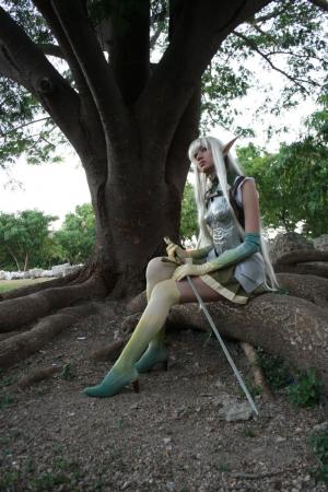 Female Elf from Lineage II worn by Grettel