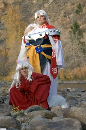 Sesshoumaru from Inuyasha worn by Seiya Kou