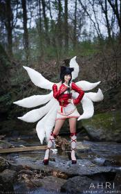 Ahri from League of Legends worn by Xty Kim