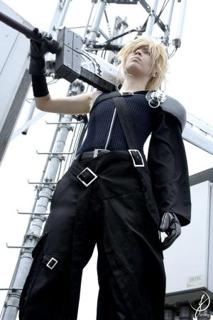 Cloud Strife from Final Fantasy VII: Advent Children worn by Ju Tsukino