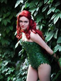 Poison Ivy from Batman worn by Yunie-chan