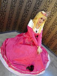 Aurora/Sleeping Beauty from Disney Princesses worn by CelestialShadow19