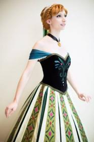 Anna from Frozen worn by breathlessaire