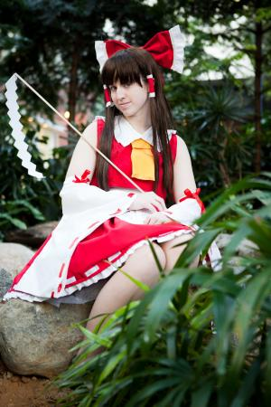Reimu Hakurei from Touhou Project worn by Xing Cai