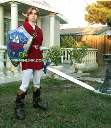 Link from Legend of Zelda: Ocarina of Time worn by Pikmin Link