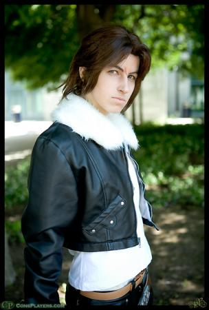 Squall Leonheart from Final Fantasy VIII worn by Pikmin Link