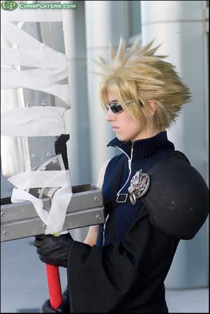 Cloud Strife from Final Fantasy VII: Advent Children worn by Pikmin Link