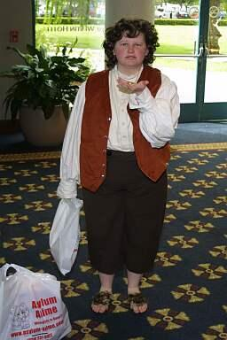 Frodo Baggins from Lord of the Rings worn by Leloi