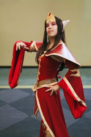 Sorceress from Warcraft III worn by Mage