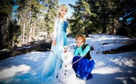 Elsa from Frozen worn by susan