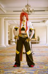 Luke fon Fabre from Tales of the Abyss worn by Celine