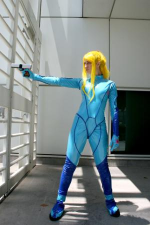 Samus Aran from Metroid worn by Annwyn Daisy Viktoria