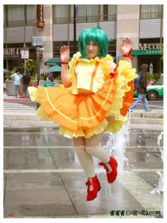 Ranka Lee from Macross Frontier worn by Hobbit Katie