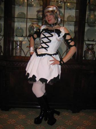 Sakura from Tsubasa: Reservoir Chronicle worn by Alyce