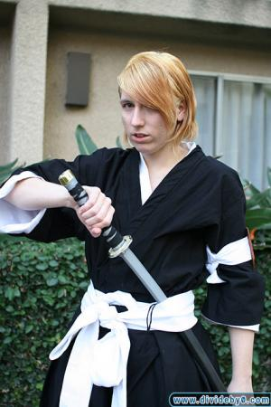 Kira Izuru from Bleach worn by Ellome