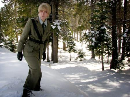 UK / England / Arthur Kirkland from Axis Powers Hetalia worn by Ellome