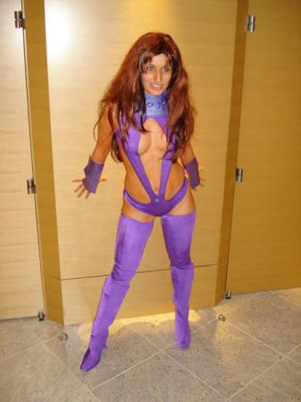 Starfire from Teen Titans worn by Arlette