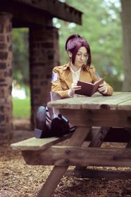 Hanji Zoe from Attack on Titan worn by Bluucircles