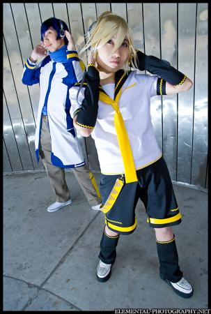 Kagamine Len from Vocaloid 2 worn by 