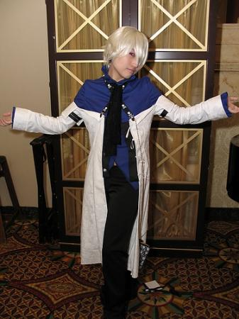 Xerxes Break from Pandora Hearts worn by 