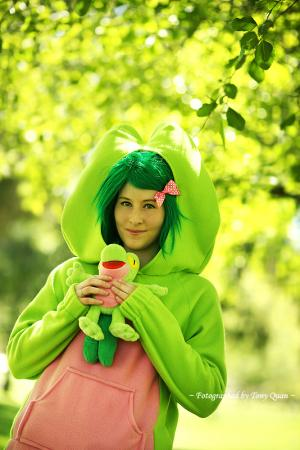 Treecko from Pokemon worn by Sparkle Pipsi