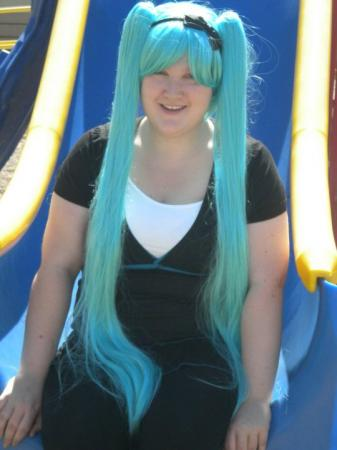 Hatsune Miku from Vocaloid 2 worn by Jisu-chan