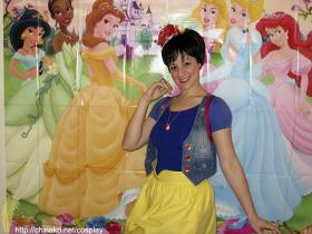 Snow White from Snow White and the Seven Dwarfs worn by Chinako