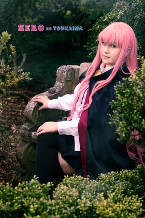 Louise Françoise le Blanc de la Vallière from Zero no Tsukaima worn by Heza