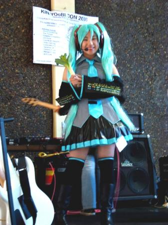 Hatsune Miku from Vocaloid 2 worn by Janelle Ann