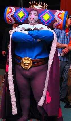 King of the Cosmos from Katamari Damacy worn by Sailor Senmurv