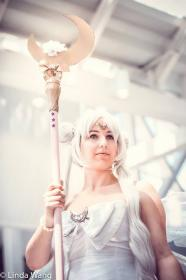 Queen Serenity from Sailor Moon  by JestersLabyrinth