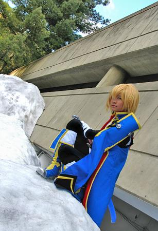 Jin Kisaragi from BlazBlue: Calamity Trigger worn by Gwiffen