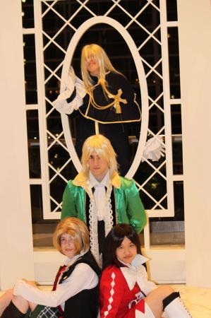 Oz Vessalius from Pandora Hearts worn by Lyn Hargreaves