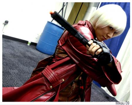 Dante from Devil May Cry 3 worn by dedpoo