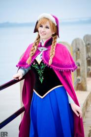 Anna from Frozen worn by Yashuntafun